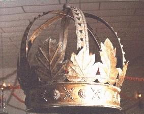 Coroa central, símbolo de Xangô, no Axé Ilê Obá