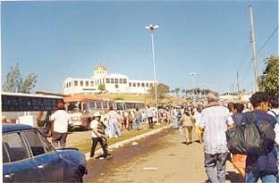 Foto: Silvana Nascimento. Vista do Santuário Novo, Trindade, 1998